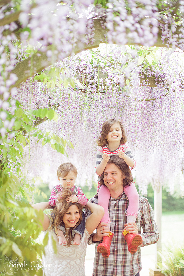 sarah gawler family shoot wisteria